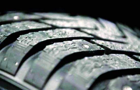 防滑钉冬季轮胎一样的胎面花纹