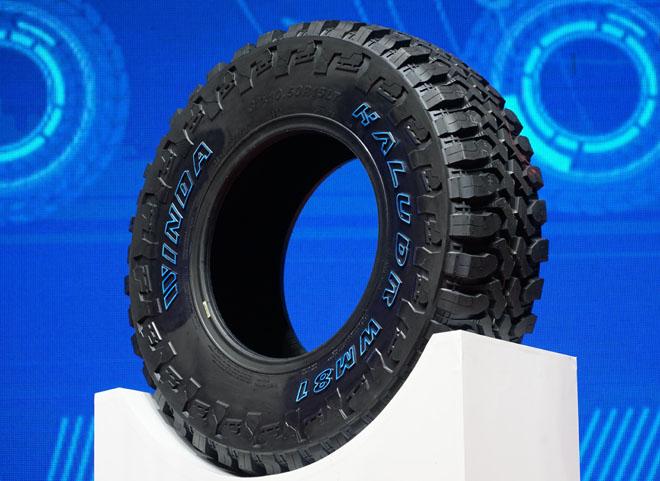 风行者WH20 据了解,卡客车BT212轮胎采用新结构、新耐磨配方、新的超强ST钢丝、新的防偏磨设计,使轮胎设计行驶里程能够达到30万公里,油耗节省13%以上,是一款真正意义的绿色环保轮胎; BT156抗超载性能好、抗刺扎性能好、散热性能好、驱动性和制动性好几大特点。
